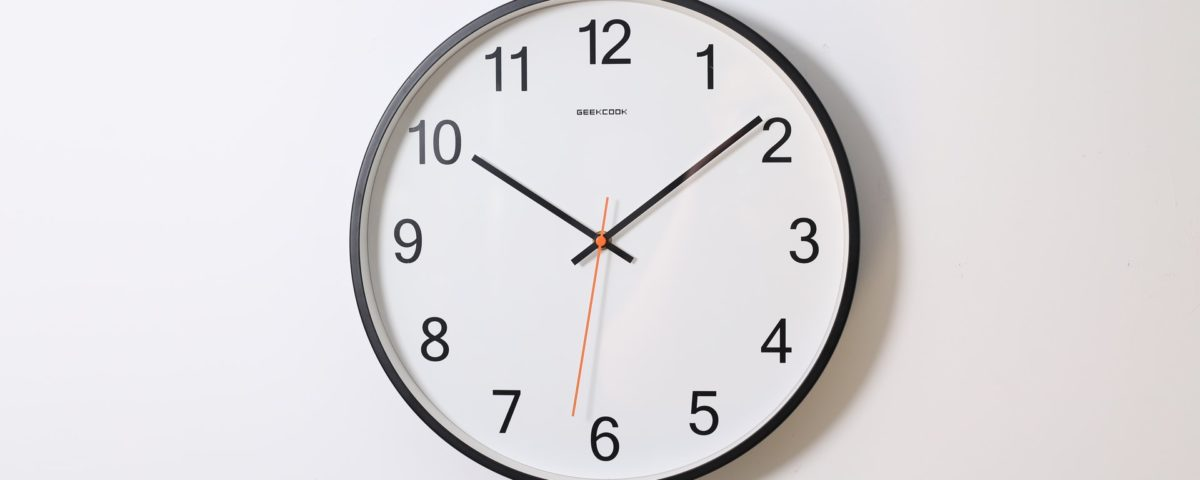 How to track employee hours